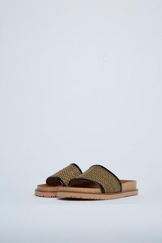 sandalias con rafia clara