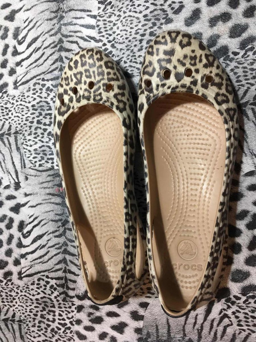 sandalias crocs mujer animal print talle 38. Cargando zoom. d5e74063216