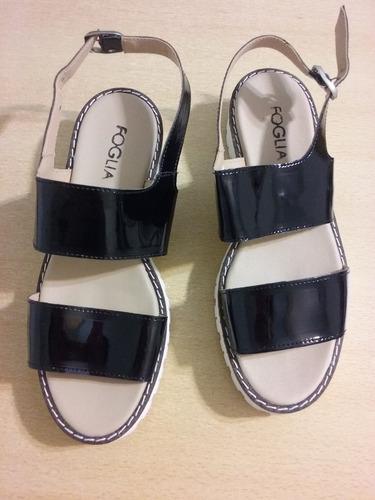 sandalias de charol foglia nuevas!