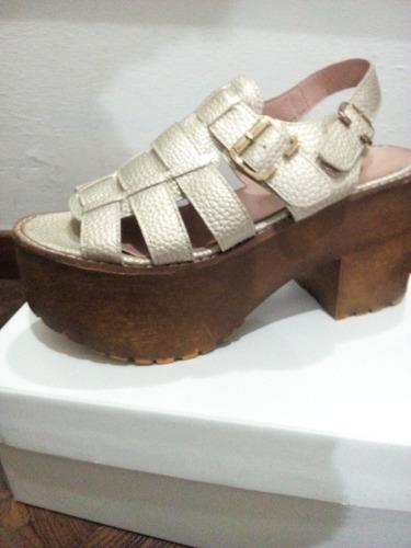 sandalias de cuero ,cobre/doradas