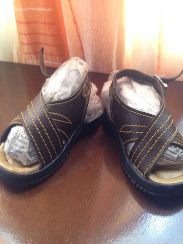 sandalias de cuero para niños