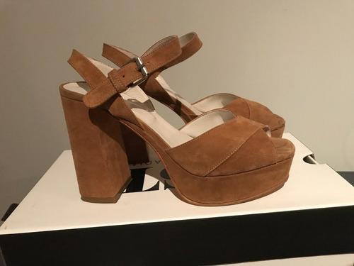 sandalias de gamuza marrón justa osadia dos usos 38
