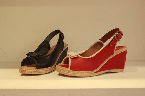 sandalias de mujer en cuero