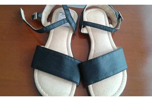 sandalias de niña nuevas