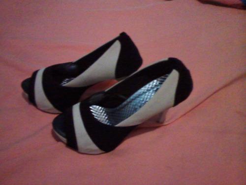 sandalias de salto alto