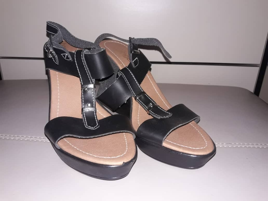 sandalias de tacón elegantes dama basinger talla 40. Cargando zoom. 980e3b0e2bbe