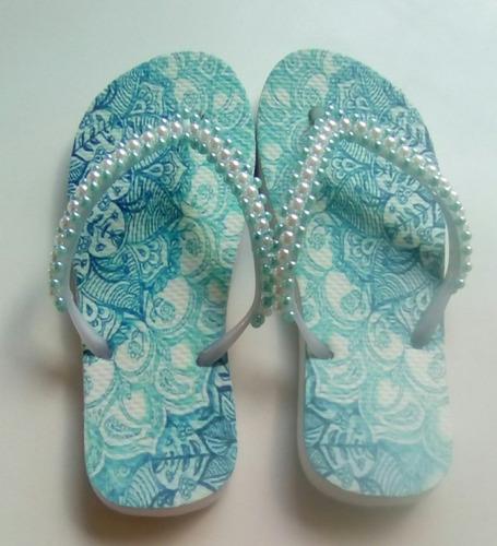 sandálias decoradas com pérolas verde água