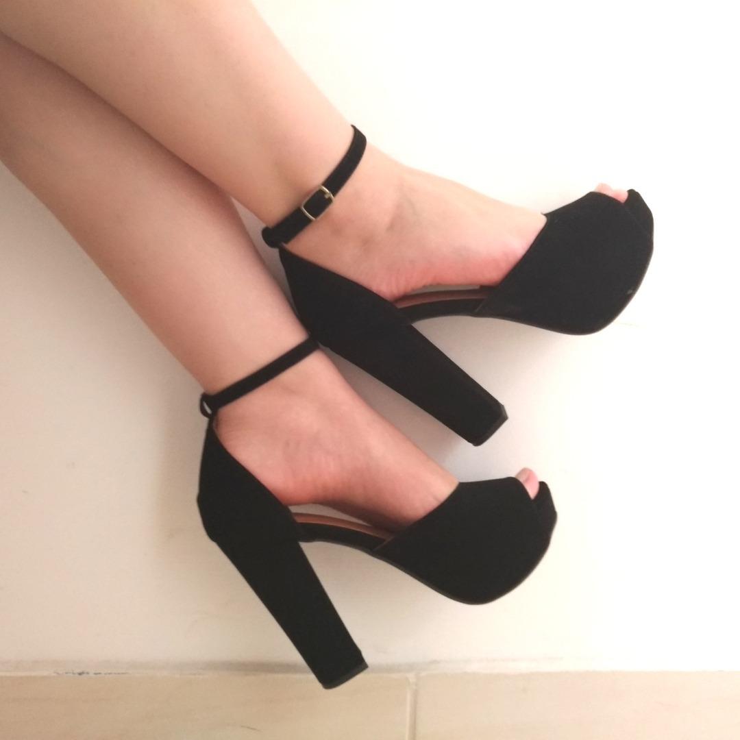 9ce605fcd sandalias femininas salto alto grosso preta promoção. Carregando zoom.