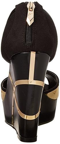 sandalias fergie 100% originales. solo talla 7. elegantes