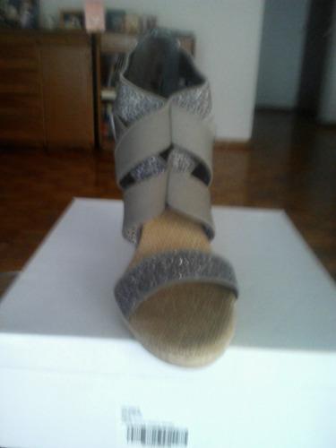 sandalias inglesas nuevas sin uso