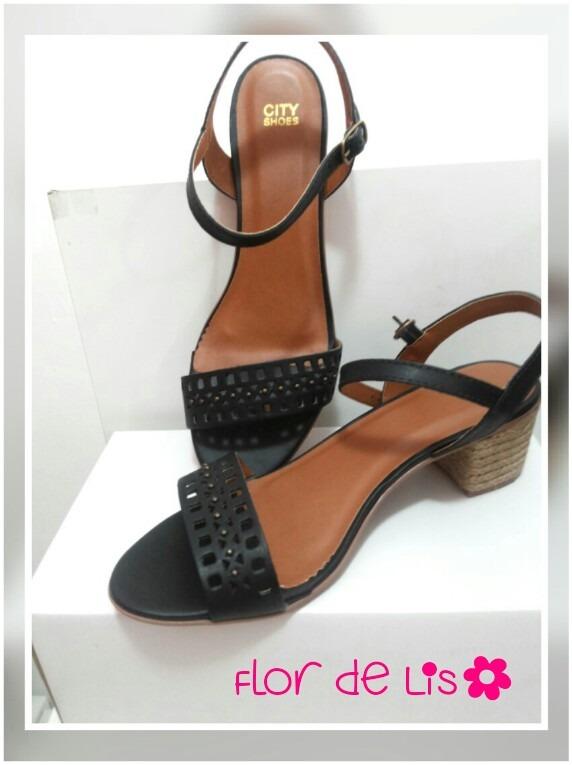 0a66a3070 Sandálias Lindas E Confortáveis! - R$ 89,90 em Mercado Livre
