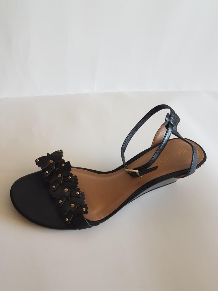 bae69753037 sandalias mujer marca vía uno número 40 color negro. Cargando zoom.