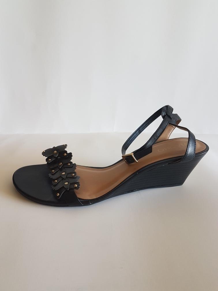 febf35a3913 sandalias mujer marca vía uno número 40 color negro. Cargando zoom... sandalias  mujer vía uno. Cargando zoom.