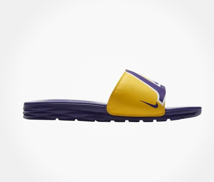 best sneakers d53de 26c09 Sandalias Nike Benassi Solarsoft Nba Los Angeles Lakers
