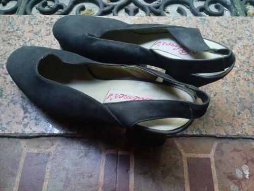 sandalias número 39. azul oscuro