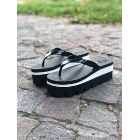 82b9e4a0f0f Ojotas Con Plataforma Doradas Negras Plateadas - Zapatos de Mujer en ...