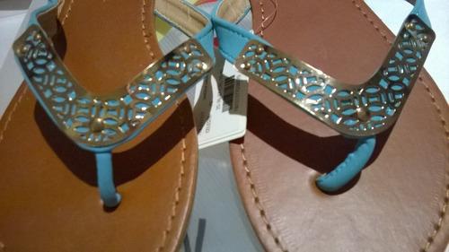 sandalias ojotas.delicadas,símil cuero con aplique metálico
