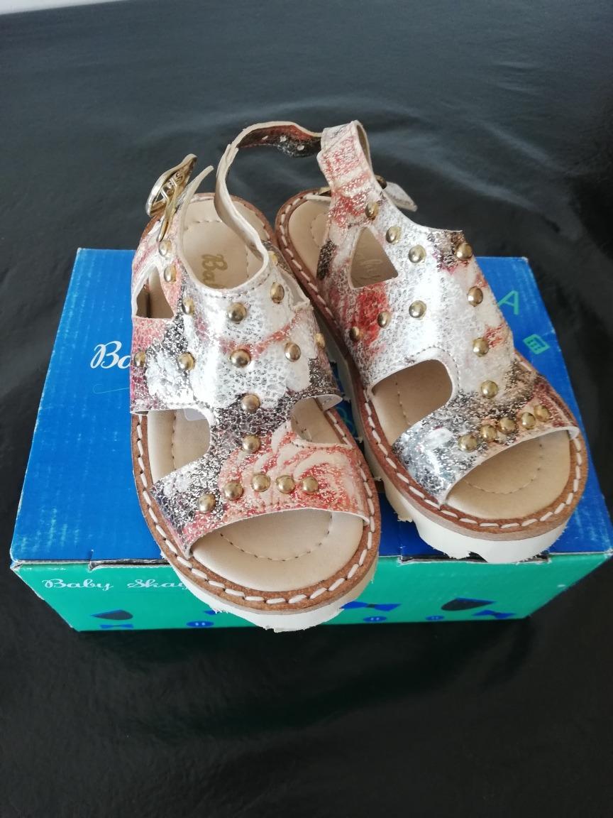 dbee63997 sandalias para nena con tachas numero 22. Cargando zoom.