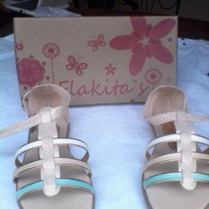 sandalias para niñas pocholin kickers gigetto flakitas