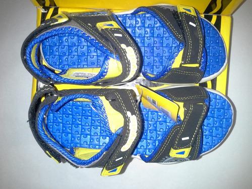 sandalias para niños crayola talla 30.