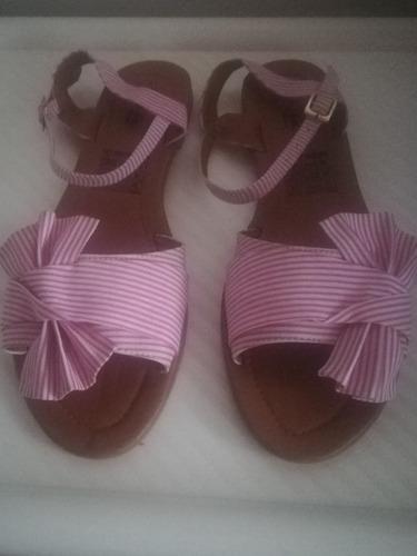 sandalias planas rosadas
