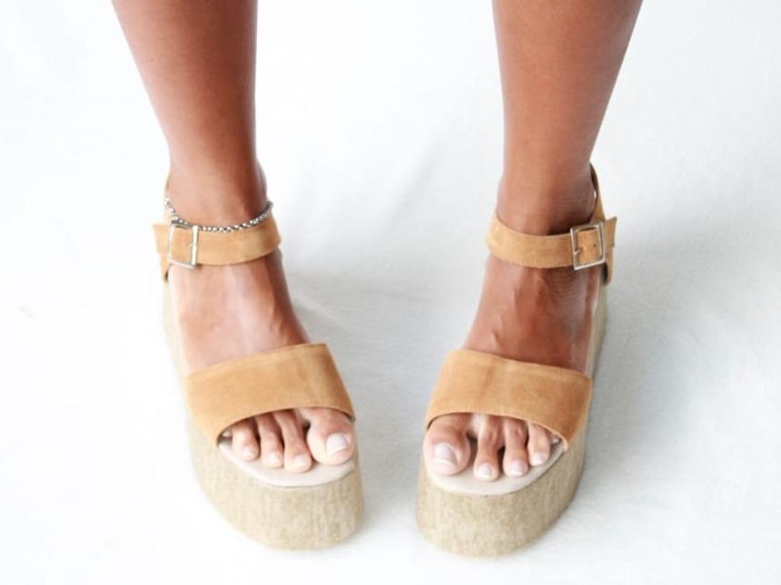 4ae8c2b8680 sandalias plataformas altas mujer moda verano 2019. Cargando zoom.