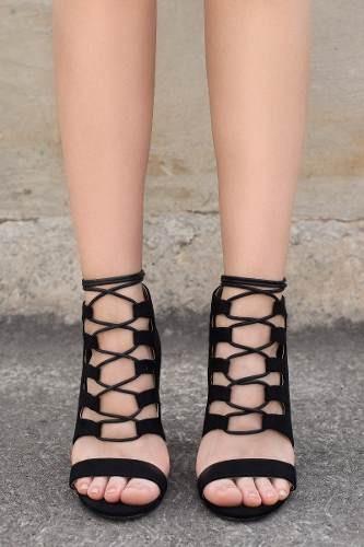 sandalias synergy goar heels negras be8