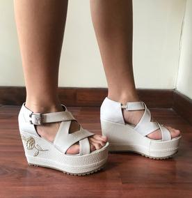 0d5722b2 Sandalias Con Flores Bordadas Mujer - Zapatos en Mercado Libre Argentina