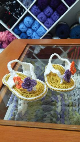 sandalias tejidas a mano para bebé