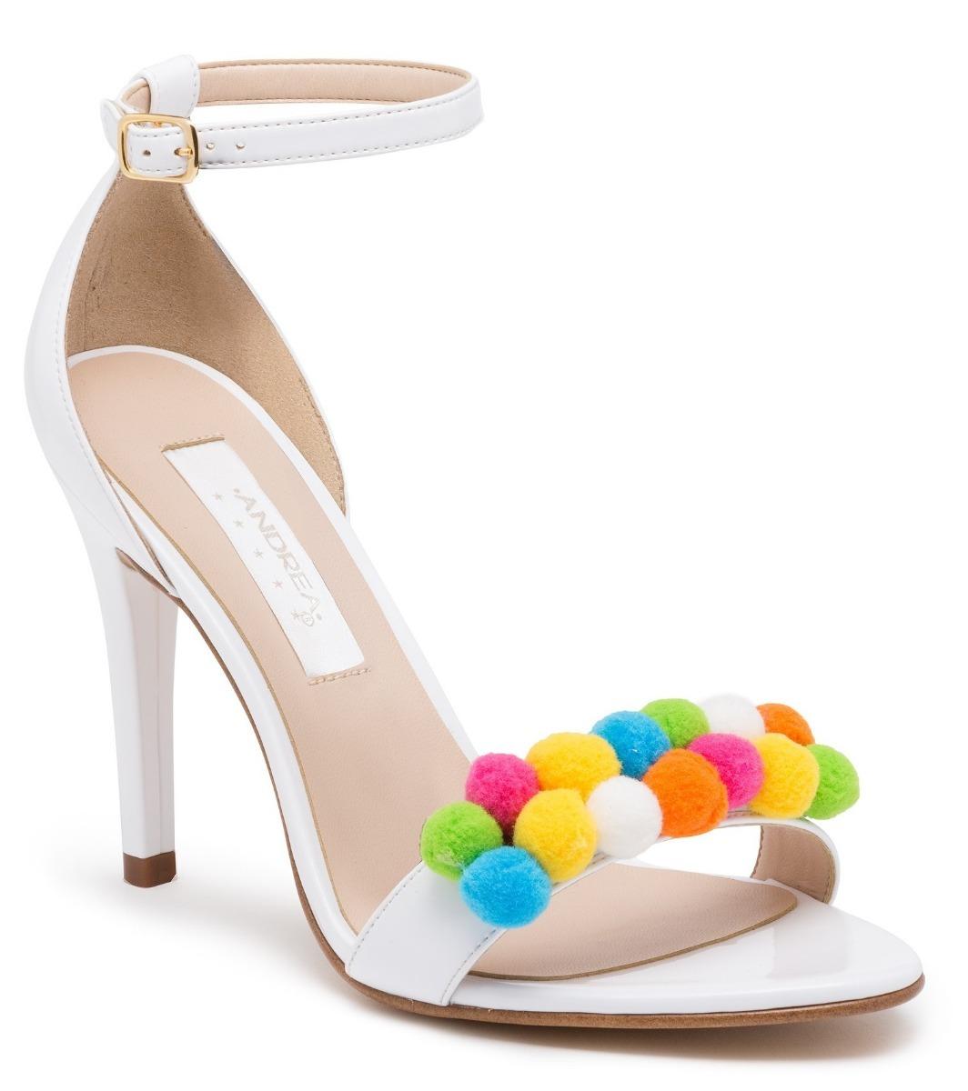 fd87ec7b766 sandalias zapatillas andrea blancas novias pompones tacón 10. Cargando zoom.