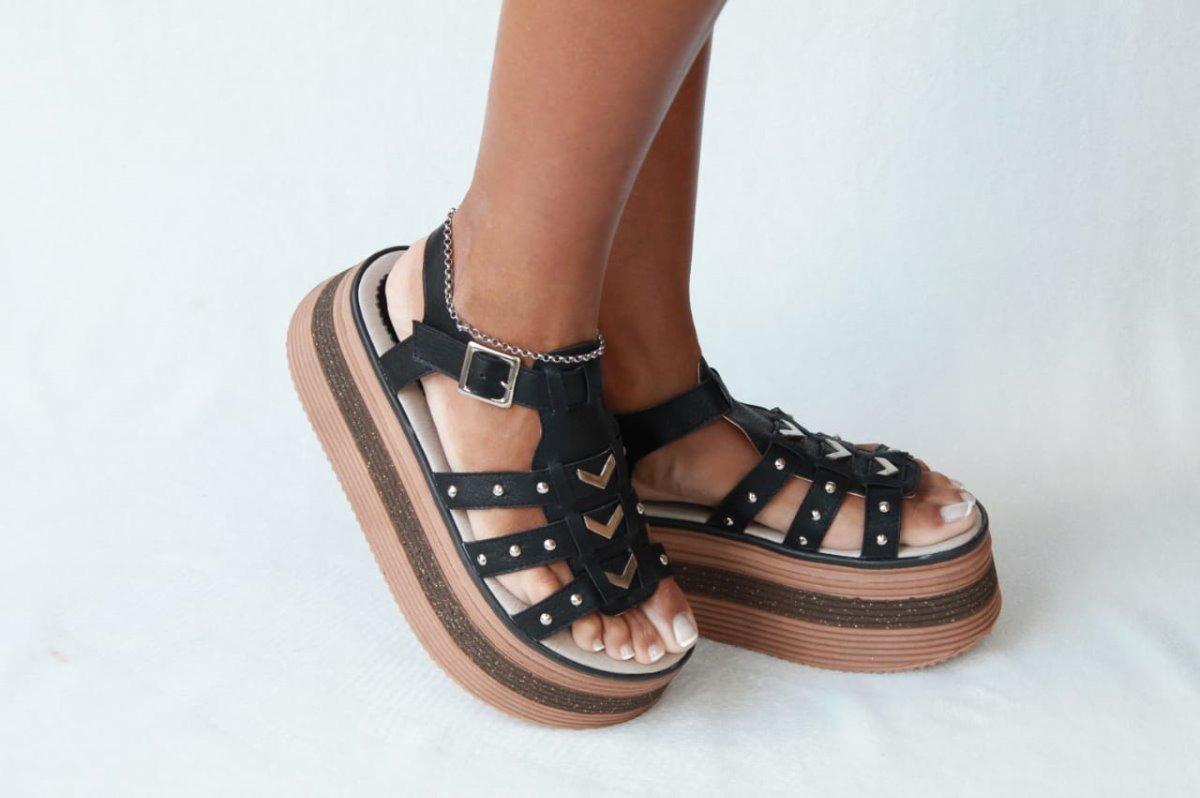 ffd2d547a22 sandalias zapato plataforma alta mujer franciscana verano 18. Cargando zoom.