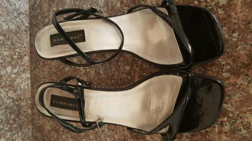 sandalias / zapatos de mujer elegantes y cómodas