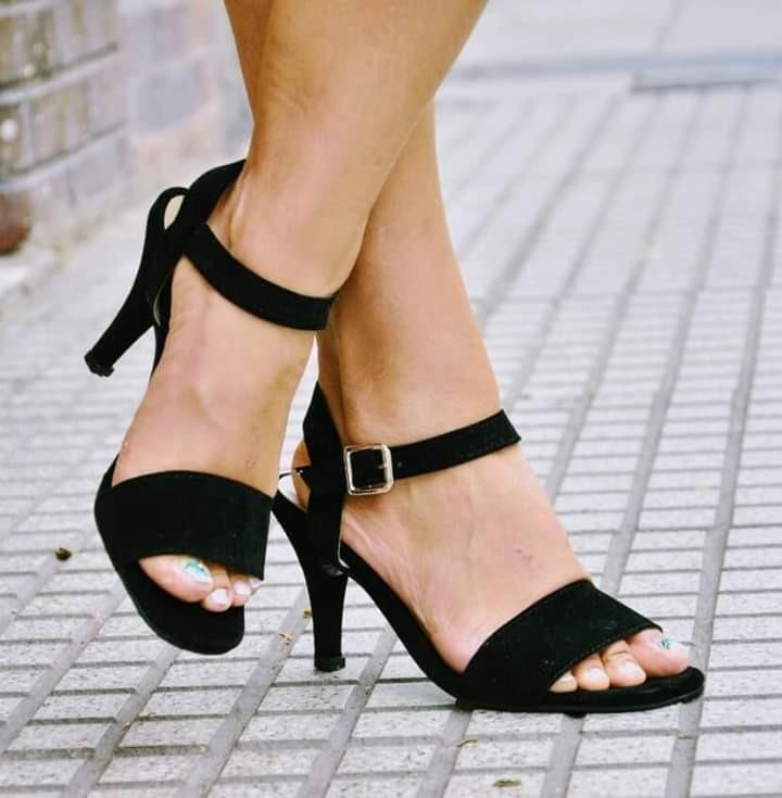 Sandalias Zapatos Negros Tobillera Taco Aguja Fino Bajo -   2.450 d710bf94a1cd