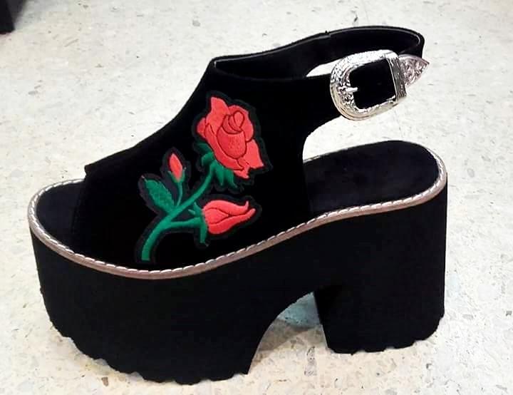 7fbddb036e4 Sandalias Zapatos Plataformas Rosa Primavera Verano 2019 -   1.399 ...