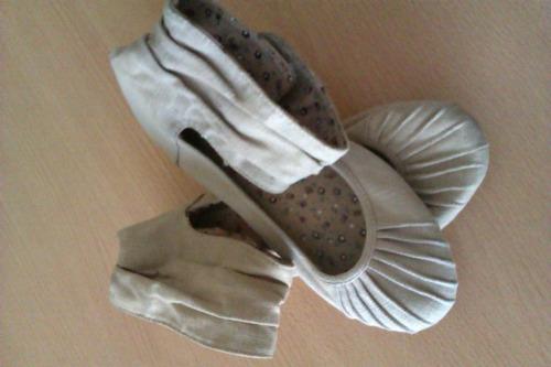 sandalias zara num 33/zapatillas dora la exploradora 28 1/2