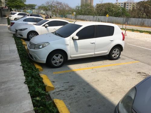 sandero blanco 2012 automatico