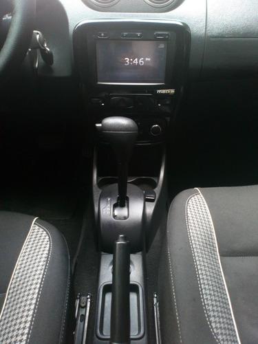 sandero dynamic automatico 2.015 en excelentes condiciones !