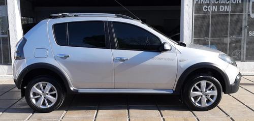 sandero stepway luxe 1.6 - full full - c/gnc 5° - m/2011