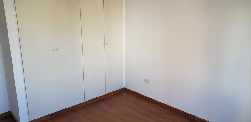 santa fe y bv. oroño - 2 dormitorios - 2 cocheras - venta
