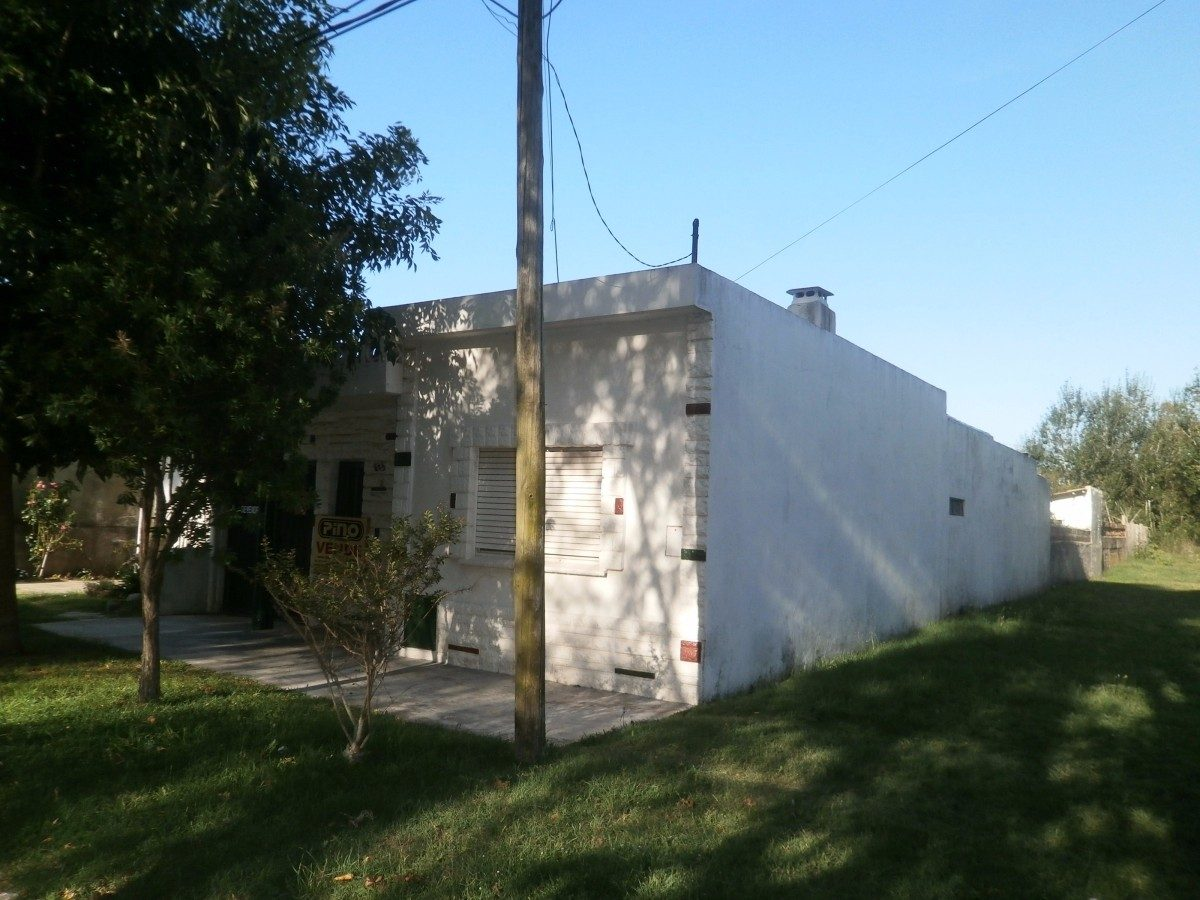 santa teresita. casa + quincho + monoambiente. u$ 90.000.-