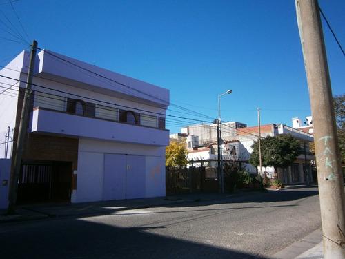 santa teresita. edificio en block. 9 dtos + un local.