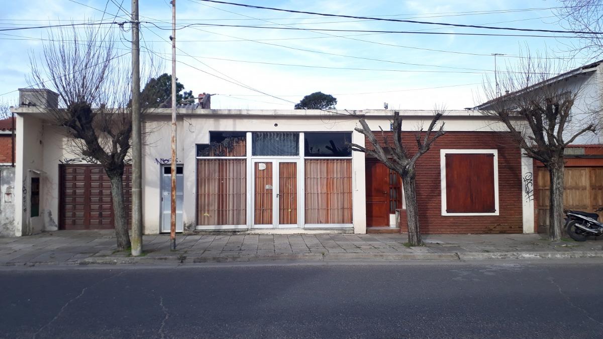 santa teresita.buena propiedad . casa + local + lote libre