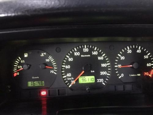 santana 1.8 mi 8v gasolina 4p manual