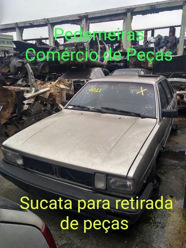 santana 1986 4 portas sucata para retirada de peças