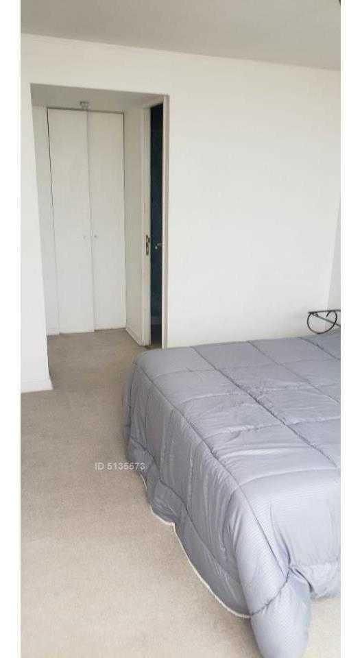 santiago, ejercito  blanco encalada, dpto un dormitorio, un baño. se vende.
