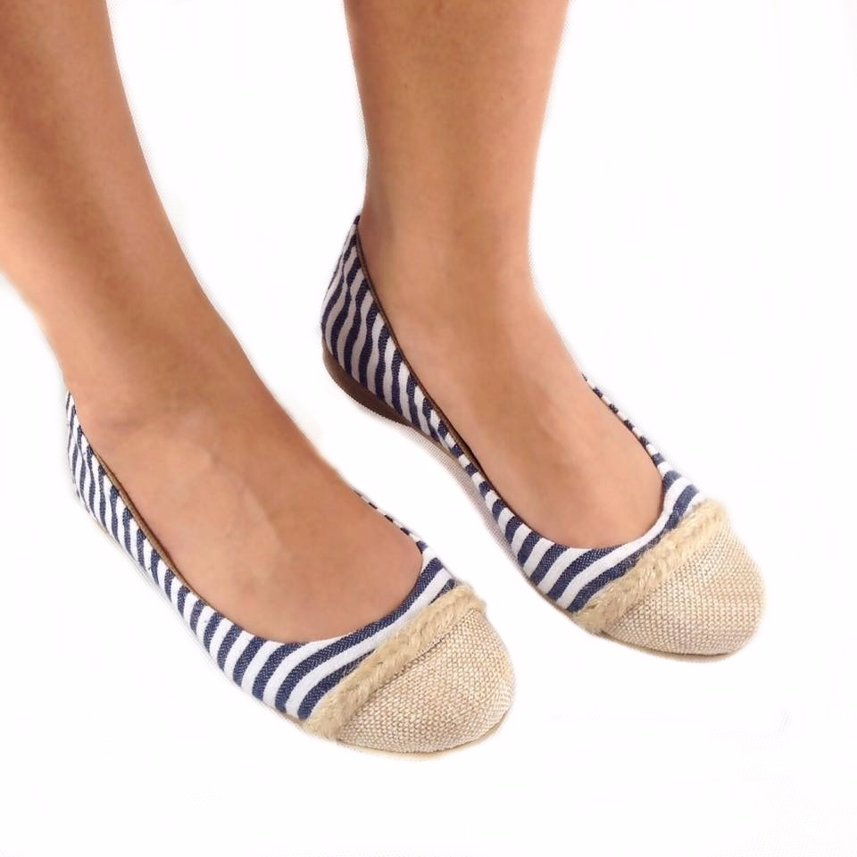 cffecdf3b sapatilha azul branca listrada bege linda confortavel barata. Carregando  zoom.