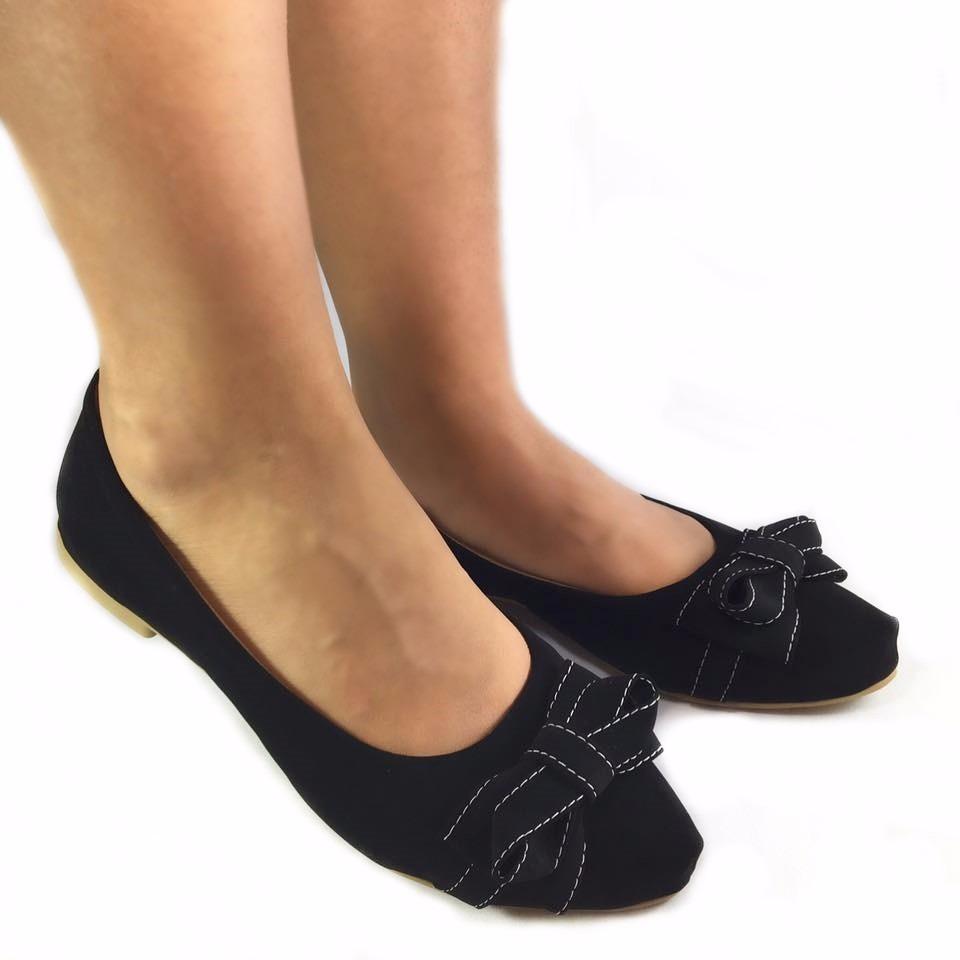 07b10a2ad sapatilha bico fino preta preto laço lacinho confortavel. Carregando zoom.