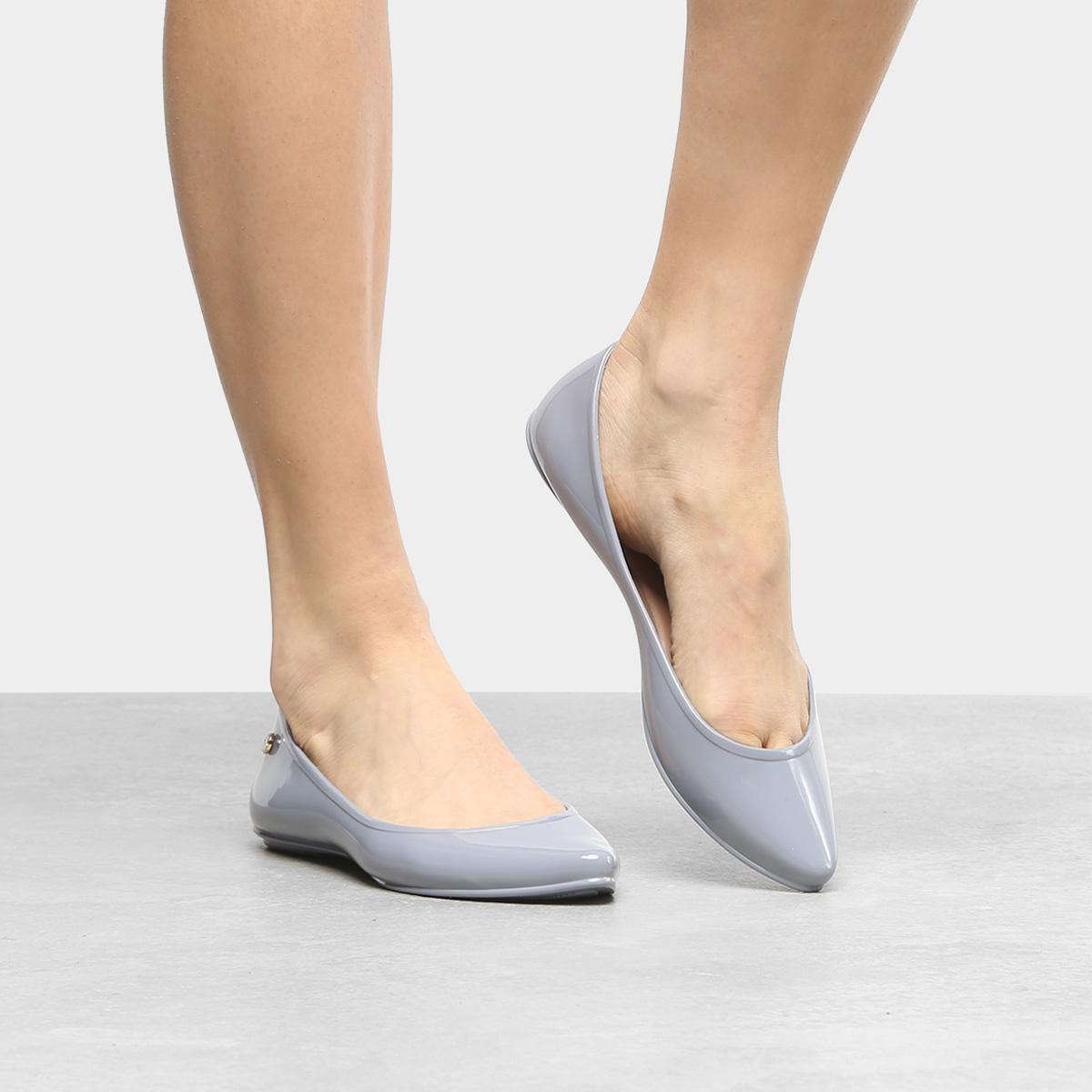 3a95ec4cd8 sapatilha bottero plástico bico fino lisa feminina. Carregando zoom.