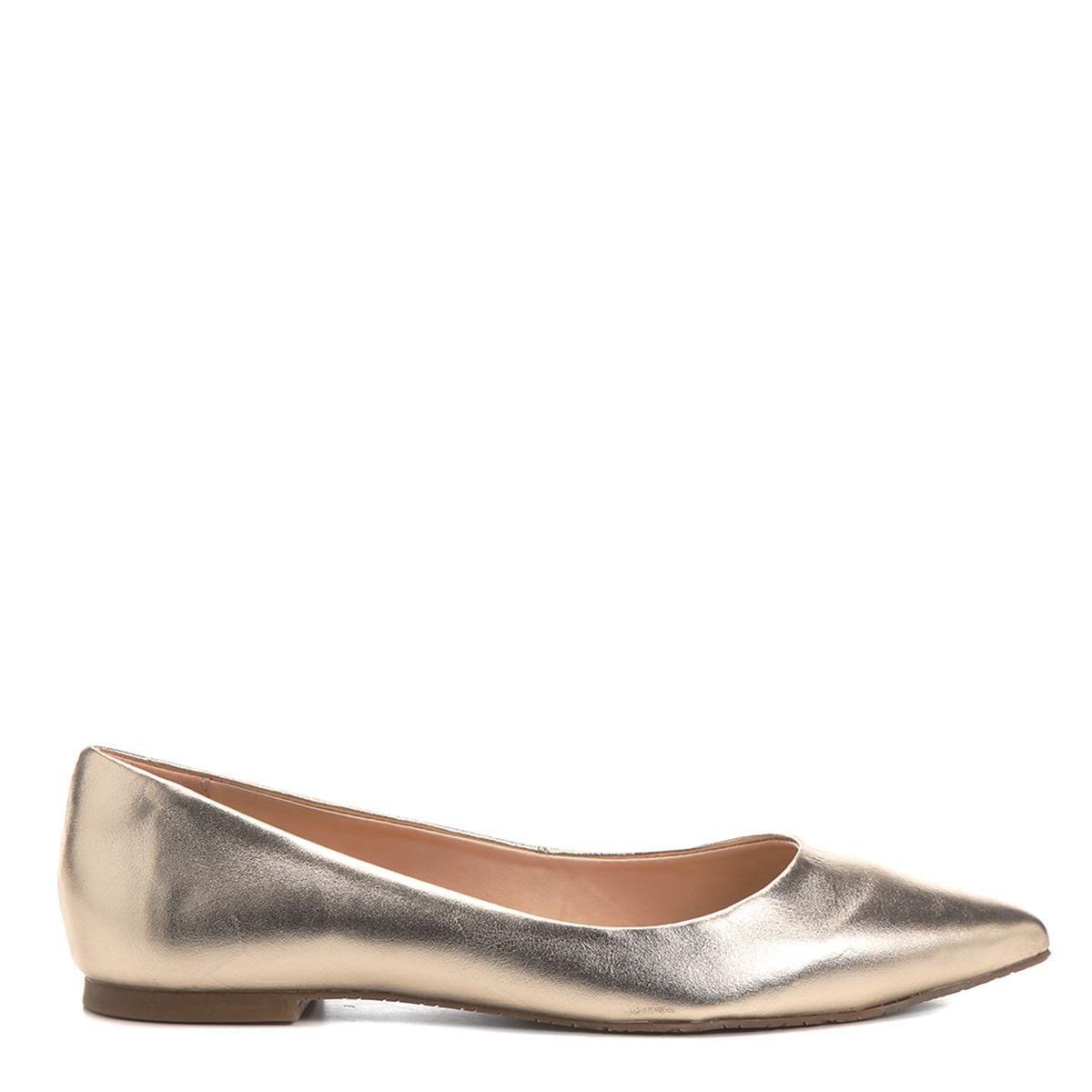 aef9a35777 sapatilha couro shoestock bico fino metalizada feminina. Carregando zoom.
