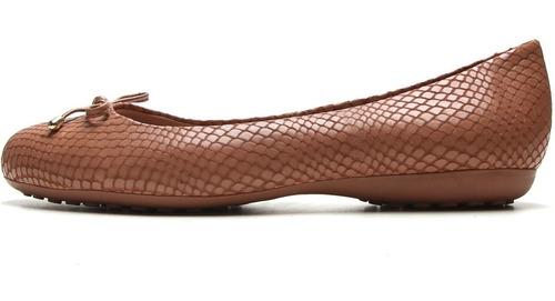 sapatilha feminina em couro snake com laço caramelo bottero